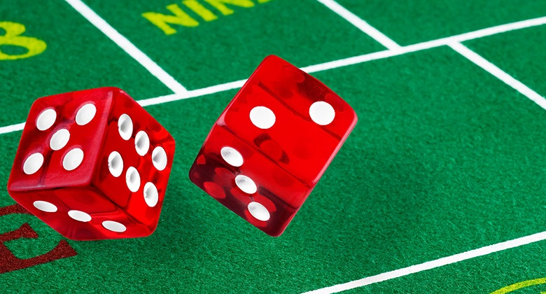Online Craps dice and table